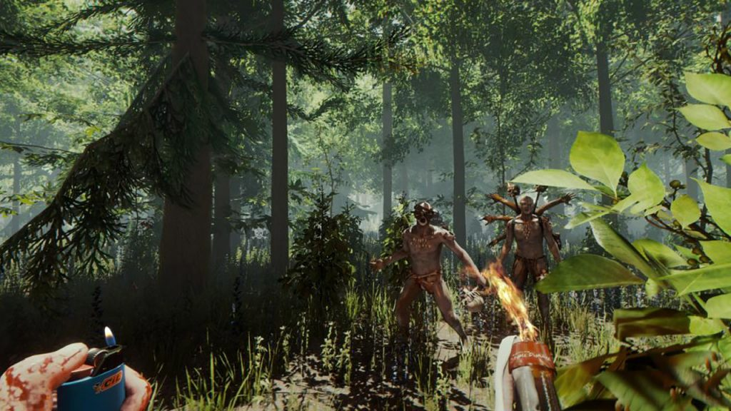 Der Protagonist steht im Wald zwei Mutanten gegenüber
