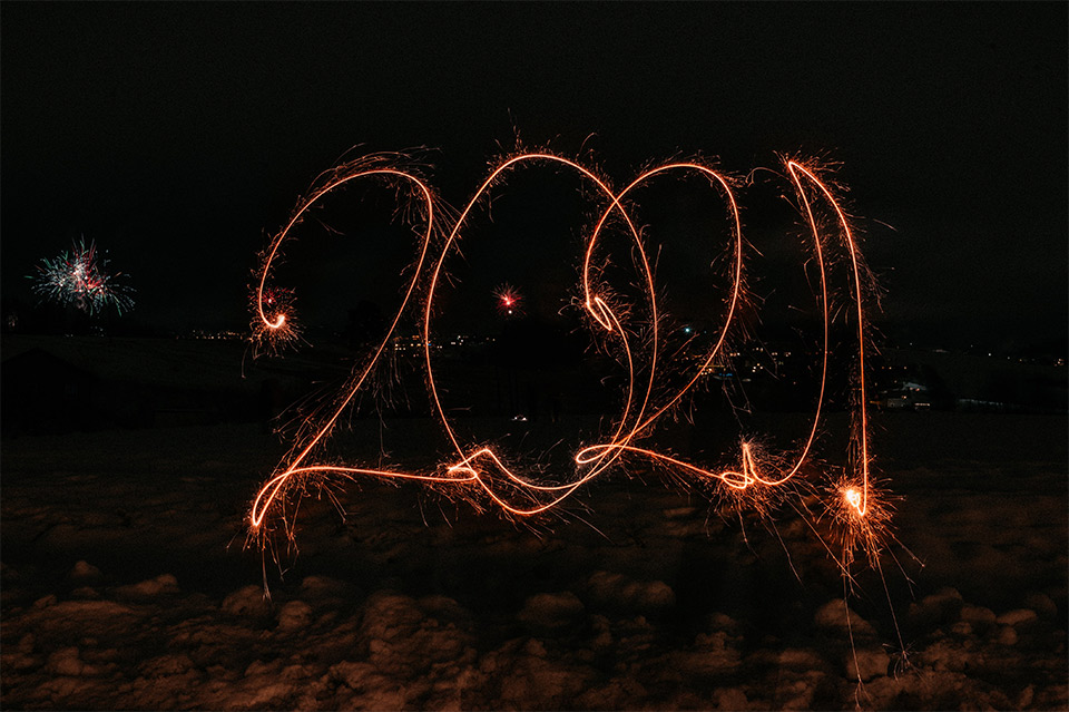 2021 in einem Feuerwerk